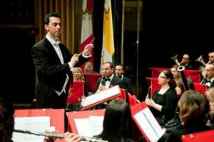 """Is-Surmast Roderick Bugeja waqt il-program """"Anniversay Concert"""" ġewwa it- Teatru Manoel"""